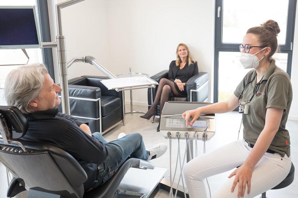 Behandlung Angst vorm Zahnarzt im Zahnzentrum Dr. Ryssel